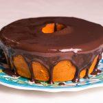 Bolo-Low-Carb-de-Cenoura-com-calda-de-chocolate