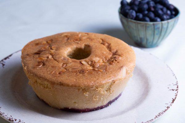 Bolo-Low-Carb-de-Limão-com-Blueberry