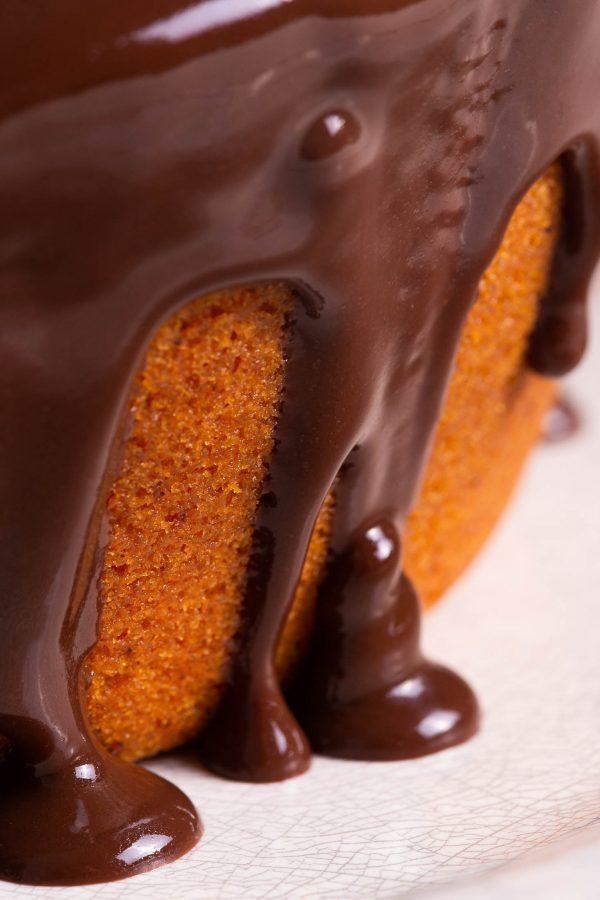 Bolo-Diet-de-Cenoura-com-calda-de-Chocolate